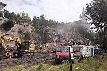 Demolice objektu v Mlýnské ulici v Teplicích, 12. července 2021