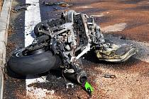 Nehoda motorkáře u nádraží v Dubí, směr Cínovec.