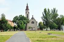 Kostel Církve československé husitské v Duchcově. Vyhlídková věž kostela je přístupná pro veřejnost denně od června do září vždy od 11 do 15h.