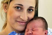 Mamince Lence Hospodářské z Teplic se 12. listopadu ve 4.20 hod. v teplické porodnici narodil syn Jakub Tokár. Měřil 52 cm a vážil 3,90 kg.