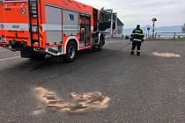 Krupští hasiči řešili únik provozních kapalin na zastávkách