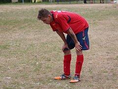 Sobědruhy (červené dresy) - Modlany B 3:2 na penalty