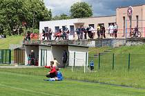 Diváci na fotbale v Trnovanech. Ilustrační foto