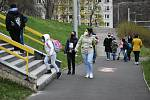 Návrat dětí do ZŠ Prosetice v Teplicích.