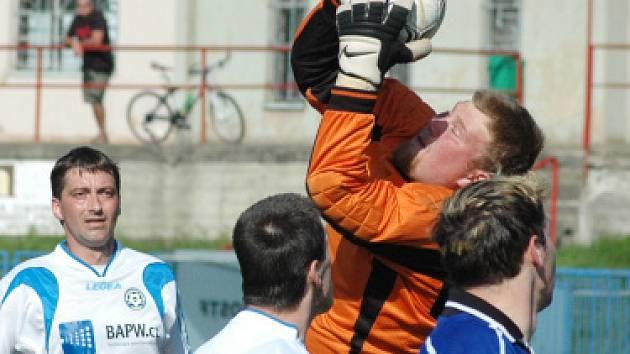 Fotbalový víkend na Teplicku - Hvězda Trnovany B - FK Lahošť (3:1)