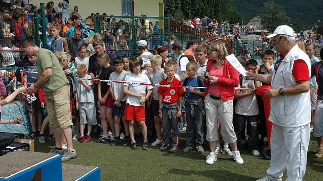 Sportovní školní hry obsadily stadion v Krupce