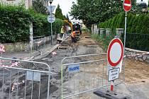 Starý a poruchový vodovod v ulici Kmochova cesta už v Teplicích dosloužil