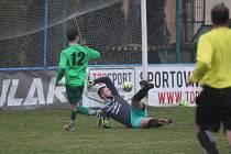 Vilémov (zelené dresy) odvezl z Modlan tři body za výhru 3:1.