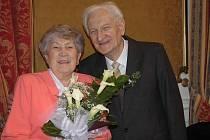 Alenka a Karel Kovářovi z Teplic oslavili v Zahradním domě diamantovou svatbu