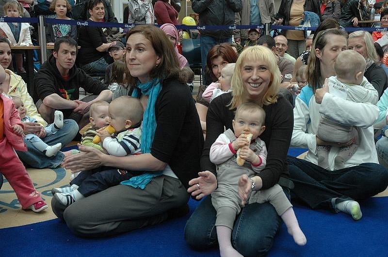 Celkem 98 malých lezounů se sešlo v Olympia centru na svém prvním závodě