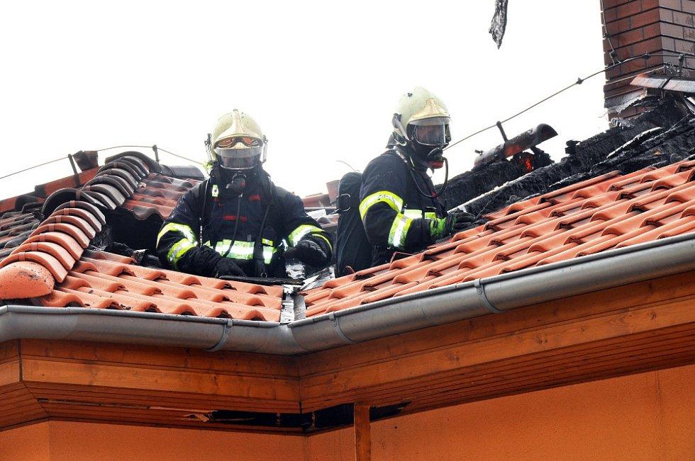 Požár rodinného domu v Bystřanech - Světicích