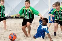 Mladí plážoví fotbalisté Teplice dvakrát porazili Holanďany