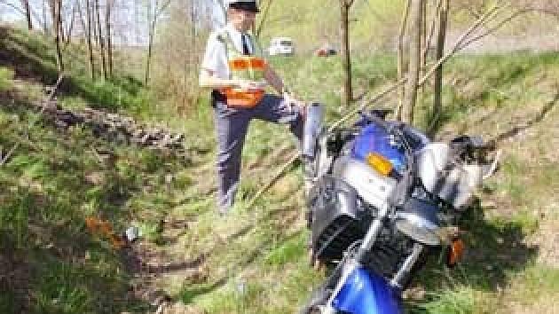 Smrtelná nehoda se stala v sobotu mezi Osekem a Lomem.