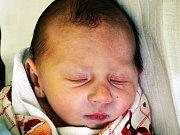 LUKÁŠ KRATOCHVÍL se narodil Bohuslavě Bláhové z Hrobu 21. ledna v 11.30 hod. v teplické porodnici. Měřil 48 cm a vážil 2,90 kg.