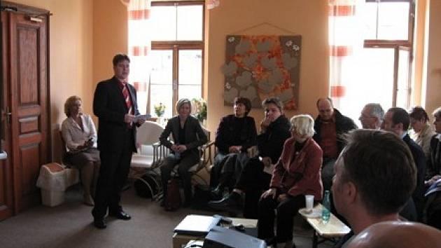 Děkani pedagogických fakult Čech a Moravy navštívili Arkadii v Úpořinách