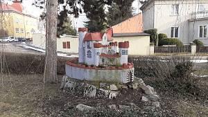 Minihrad v Hostomicích.