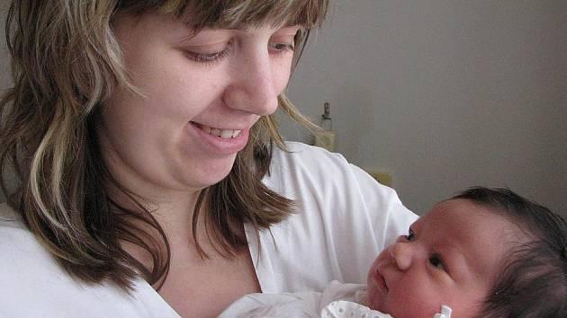 Janě Mazurové z Teplic se v teplické porodnici 3. listopadu v 19.23 hod. narodila dcera Karolína Mazurová. Měřila 51 cm a vážila 3,85 kg.