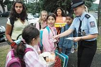"""Policie """"vychovávala"""" školáky"""