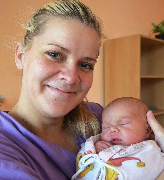 Mamince Heleně Prokopové z Teplic se 19. října v 17.58 hod. v teplické porodnici narodila dcera Ema Chládková. Měřila 52 cm a vážila 3,8 kg.