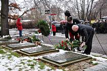 Pietní akt k uctění památky obětí tragédie v Oseku.