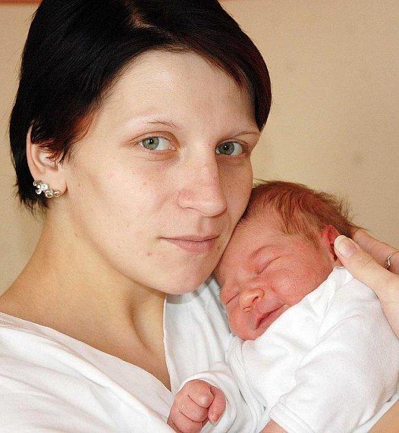 Mamince Haně Losové z Bíliny se 29. prosince v 8.30 hod. v teplické porodnici narodila dcera Daniela Jurčíková. Měřila 49 cm a vážila 3,20 kg.