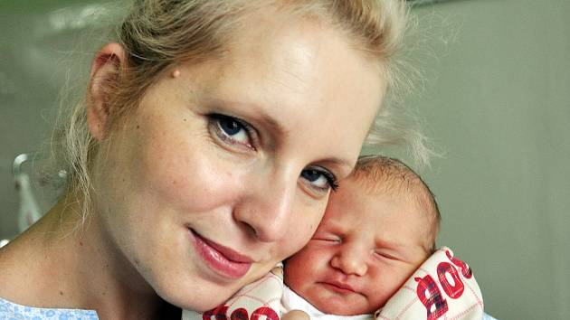 Violette Marie Vlachová se narodila Kataríně Kysucké z Duchcova 14. října v 14,27 hodin v teplické porodnici. Měřila 50 cm, vážila 3,45 kg.