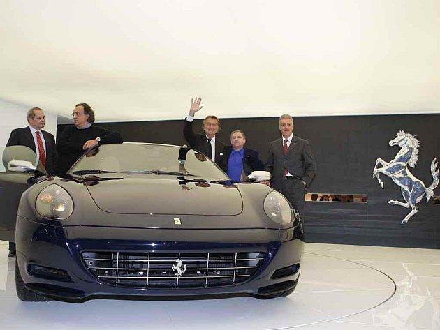 Černé Ferrari, Autoshow, Ženeva