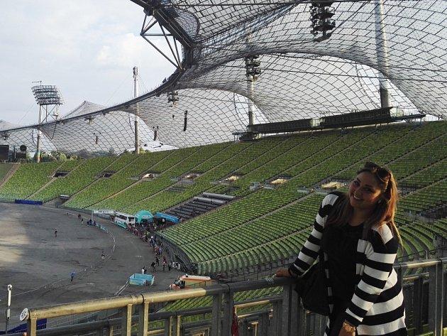 Petra Šubrtová na Olympia stadionu v Mnichově, který je od obchodního centra, kde řádil střelec, jednu stanici metrem.