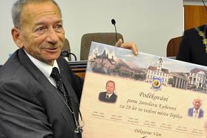 Jaroslav Kubera byl dlouholetým primátorem Teplic. Ilustrační foto.