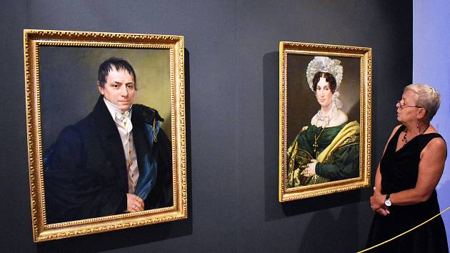 Portréty bývalého teplického starosty Franze Nechodoma a jeho manželky z roku 1841.
