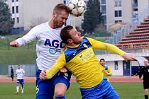 SKONČILI PÁTÍ. Hráči Teplic na turnaji v chorvatském Medulinu obsadili páté místo. Vybojovali ho v utkání s Interem Zaprešič, který porazili po penaltách 3:2. Vpravo ve výskoku teplický Patrik Dressler.