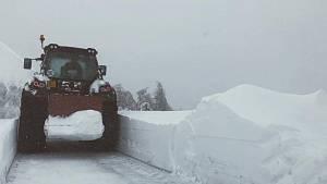 Přívaly sněhu v horách