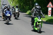 Motorkáři v Krupce, spanilá jízda.