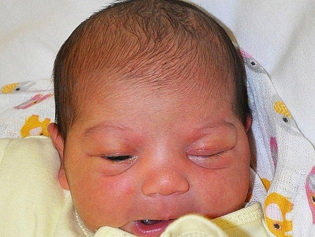 ERIKA KOTLÁROVÁ se narodila Erice Kotlárové z Bíliny 10. října ve 21.35 hod. v teplické porodnici. Měřila 50 cm a vážila 3,15 kg.