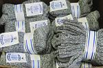 Téměř 200 párů ponožek připadne novým majitelům.