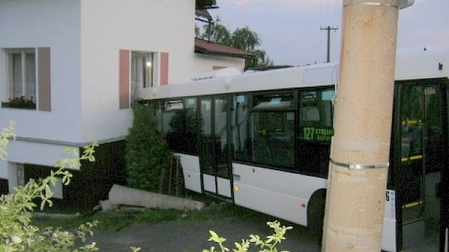 Nehoda autobusu