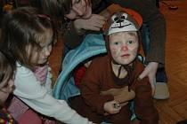 Děti v maskách