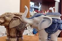 Staronový slon lampička z porcelánky Royal Dux Bohemia v Duchcově.