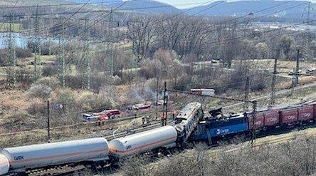 V Chotějovicích na Teplicku se srazily dva vlaky