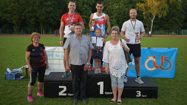 VDuchcově se opět běželo Bažantnicí, sportovalo 132lidí.
