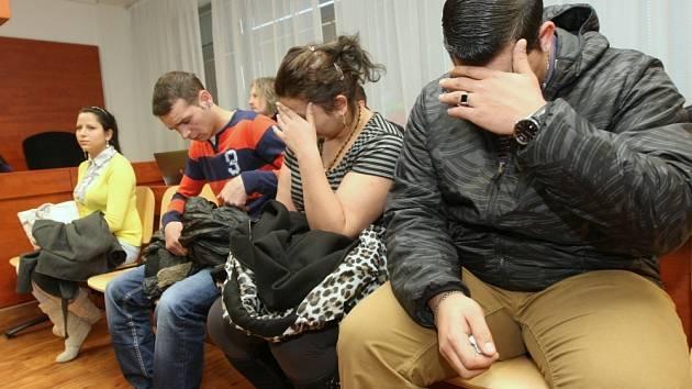 Obvinění v kauze loňského brutálního útoku na manžele v Duchcově na Teplicku.