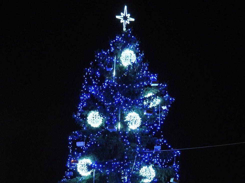 Rozsvícení vánočního stromu v Proseticích