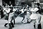 Slavnost kácení máje v Suché 1980.
