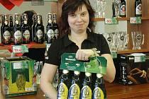 Teplickou jedenáctku lze v současné době koupit za zaváděcí cenu 9,90 Kč pouze ve značkové prodejně Rodinného pivovaru BERNARD v Teplících na Tržním náměstí
