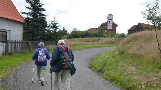 Turistická trasa po hřebenu Krušných hor - Komáří vížka.
