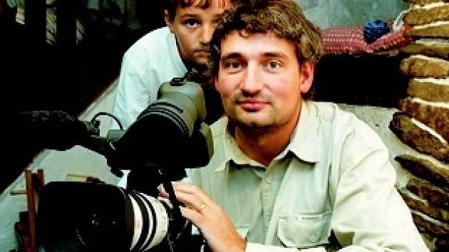 Dalibor Stach s kamerou.