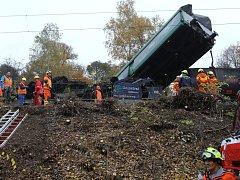 Srážka dvou nákladních vlaků u Velvět na Teplicku.