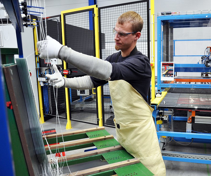 AGC Automotive Czech zprovoznil novou výrobní halu.