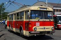 Historický trolejbus v Teplicích, který jezdí v rámci nostalgické linky.