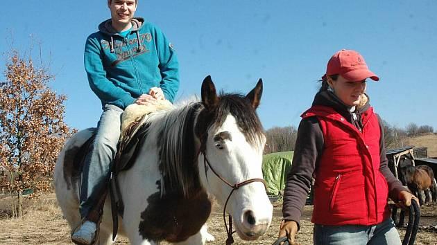 Sporťák František Bílek poprvé v sedle koně